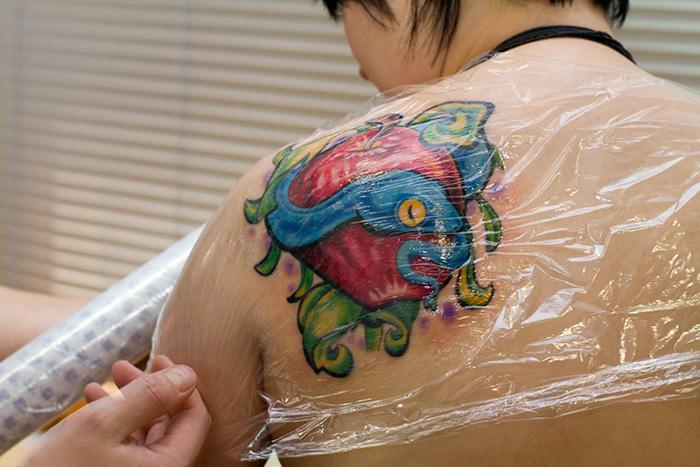 Свежая татуировка