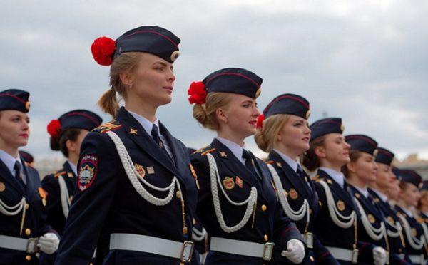 Девушки в полиции России